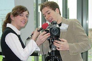 You are currently viewing Verlängerung beim Videowettbewerb: Einfach studieren in 150 Sekunden
