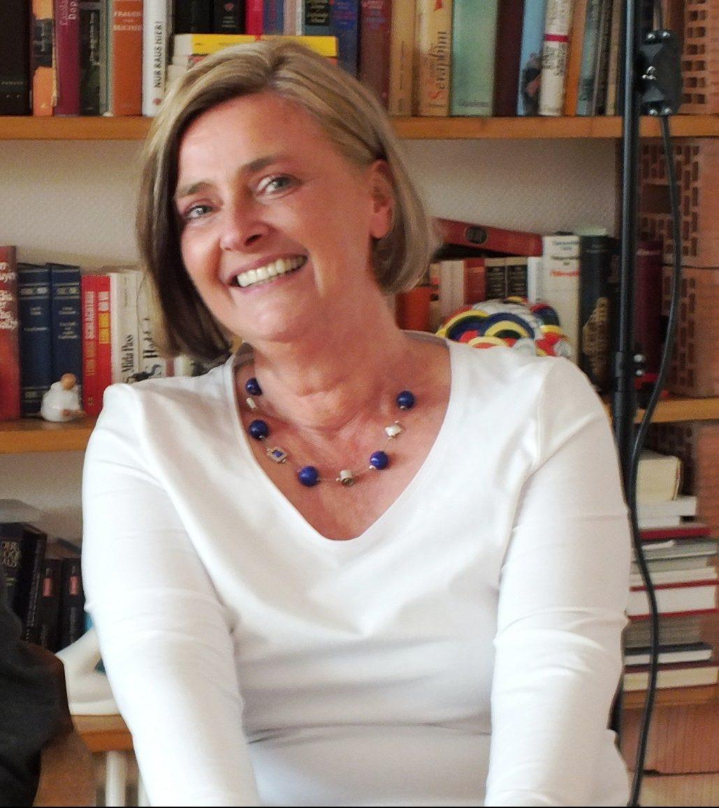 Read more about the article Autorin aus Hermeskeil stellt ihren Roman vor